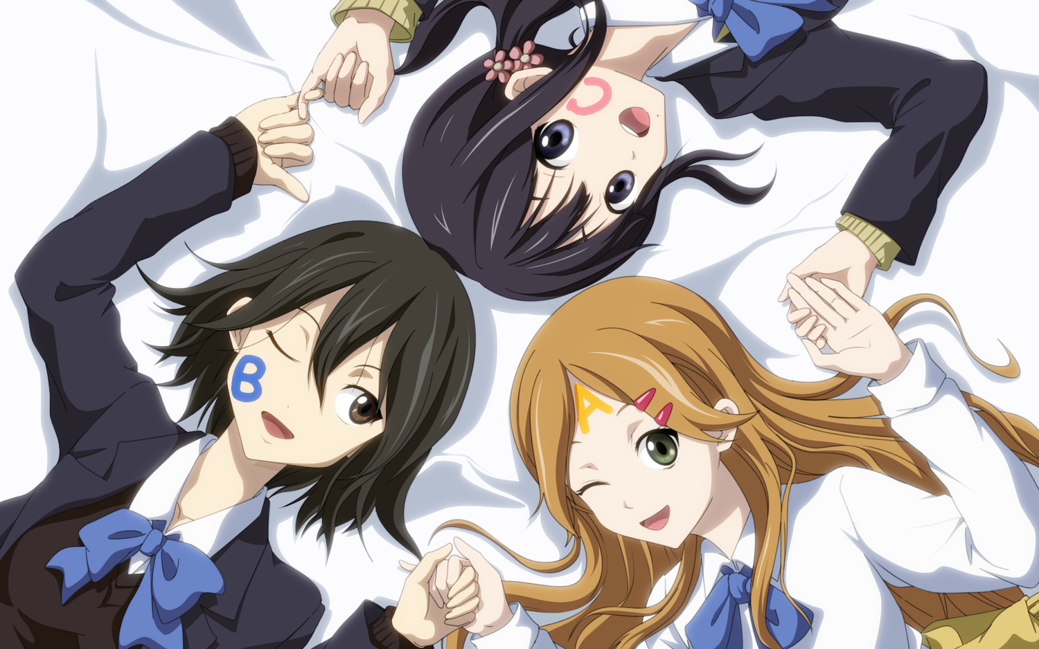 black_eyes black_hair blonde_hair brown_eyes brown_hair green_eyes inaba_himeko kiriyama_yui kokoro_connect kouchou_(artist) long_hair nagase_iori ribbons seifuku short_hair wink