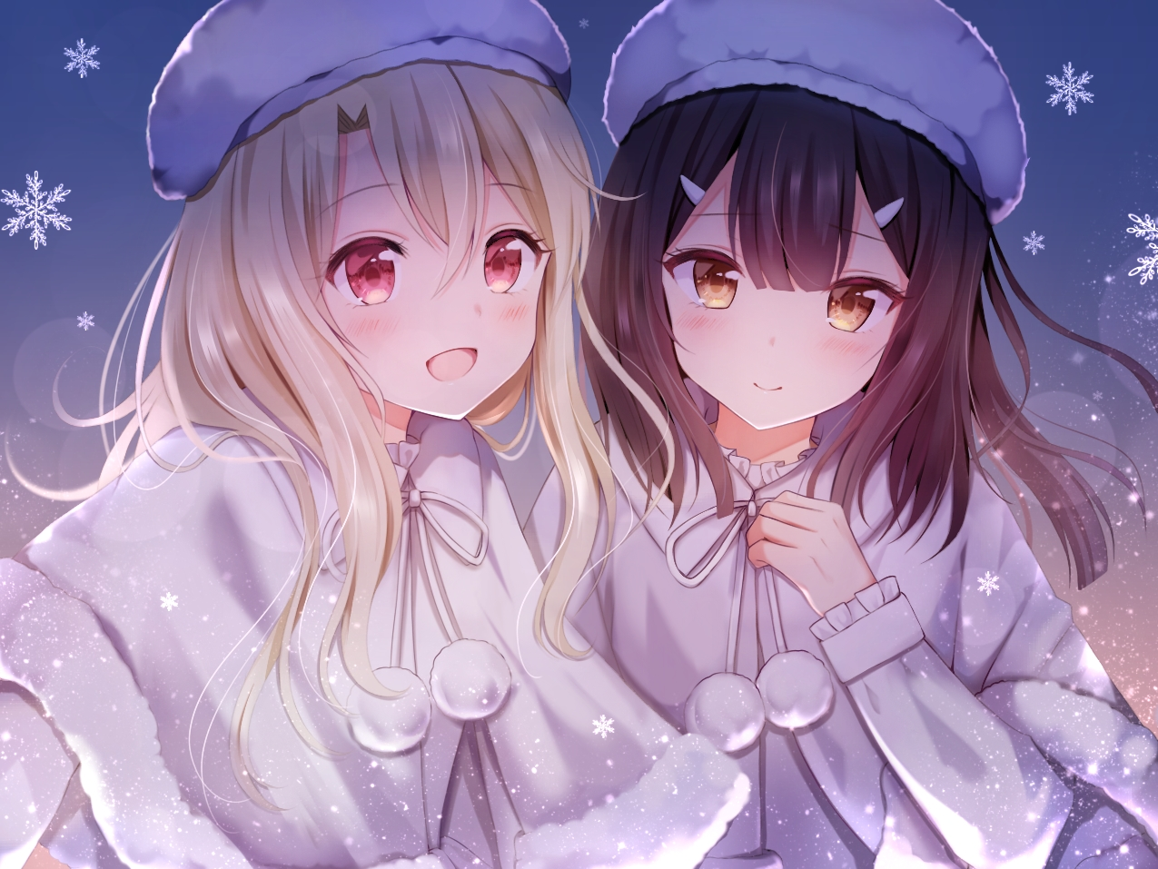 2girls black_hair blonde_hair blush cape fate/kaleid_liner_prisma_illya fate_(series) gradient hat illyasviel_von_einzbern long_hair miyu_edelfelt nasii red_eyes snow yellow_eyes